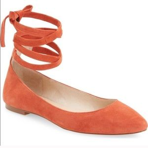 Vince Camuto lace-up up suede flats 6.5